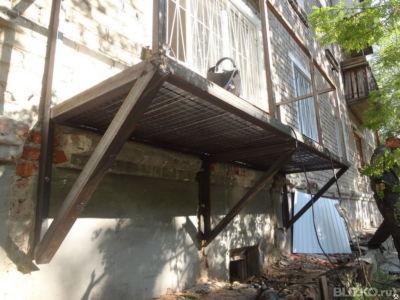 Строительство балконов на первых этажах в перми - на портале.