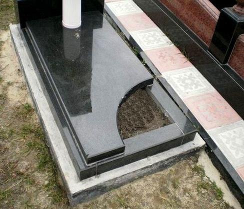 его ведении виды вырезов в надгробных плитах фото потолки, большие